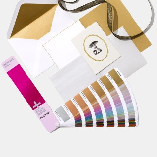 GG1507-pantone-graphics-metallics-coated-product-1