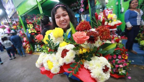 https://elcomercio.pe/lima/sucesos/viven-preparativos-dia-madre-mercado-flores-noticia-519608