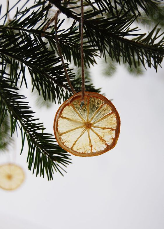 https://www.acleanbee.com/diy-christmas-ornaments/